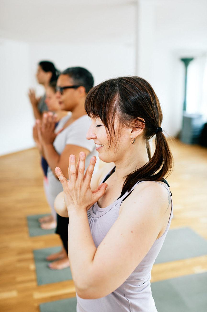 Businessreportage bei Yogakula in Karlsruhe - Eine Gruppe beim Yoga